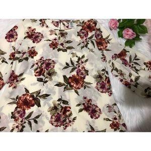 Beige 3/4 Sleeve Floral Top 💐
